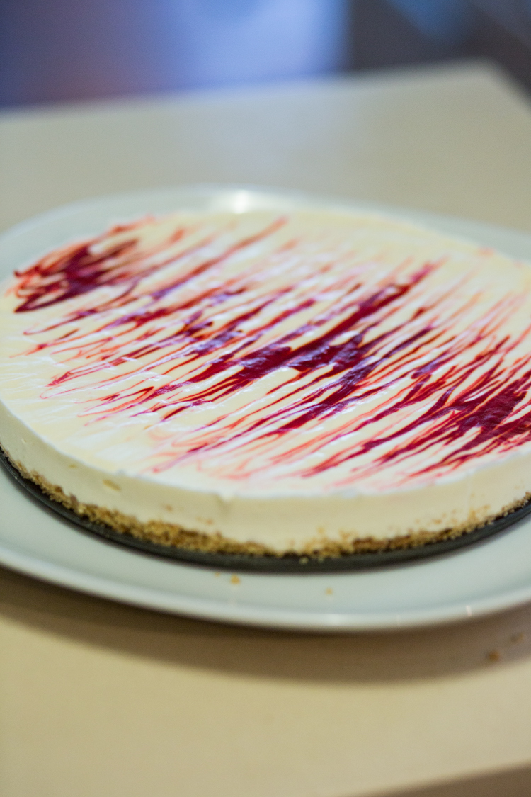 cheesecake with dragon fruit