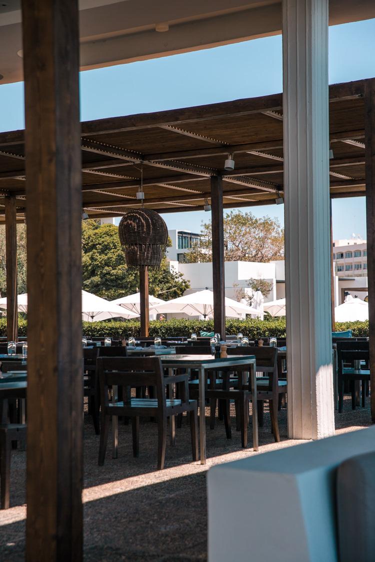 notios restaurant at almyra hote